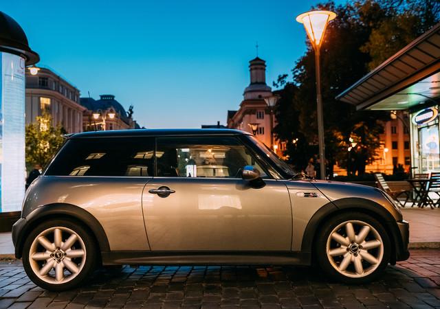 33a905f80138a23aaea6993635e88b2511065303 iconic cars mini